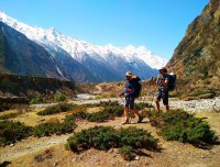 Trekkers at trekking trail towards Everest