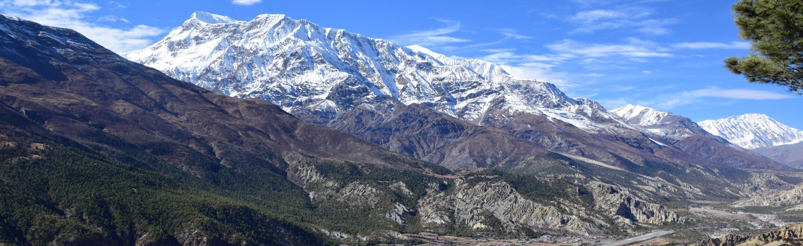 Annapurna-III-with-Ngyeshyang-valley-and-hunde
