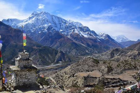beautiful-landscape-chhoren-and-Annapurna-III-at-circuit-trail-trek